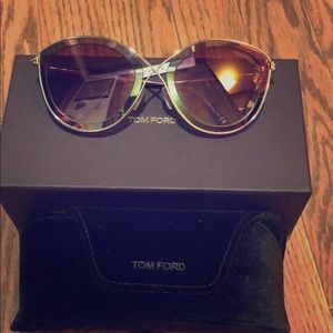 Tom Ford Sunglasses Series FT0604 5577T
